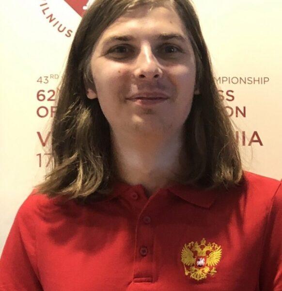 Алексей Попов — победитель 29го Чемпионата России по решению шахматных композиций